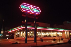 google plus hangout, diner hamburger, internet friendship, classic diner